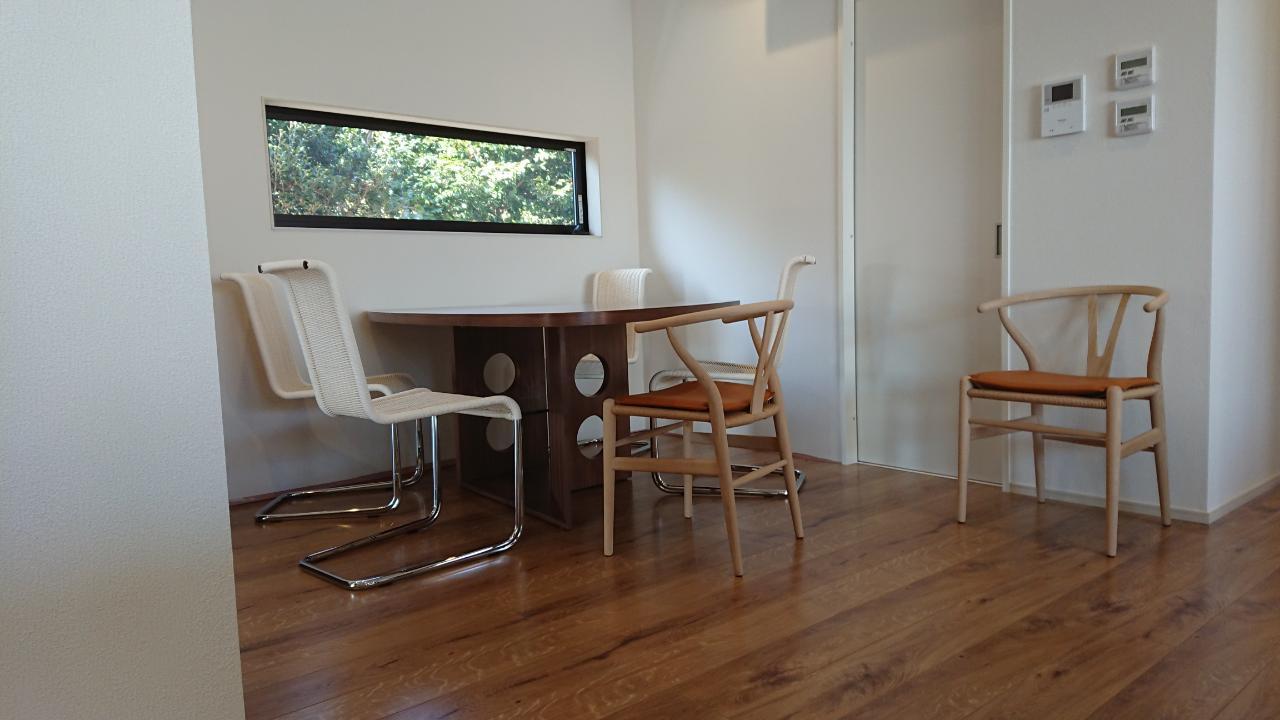 K様 / アイラーセン ストリームラインソファ、テクタ M21テーブル、B20チェア、Yチェア