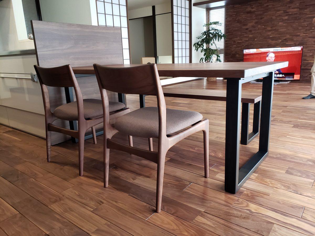 A様 / FJダイニングテーブル、ソアーチェア